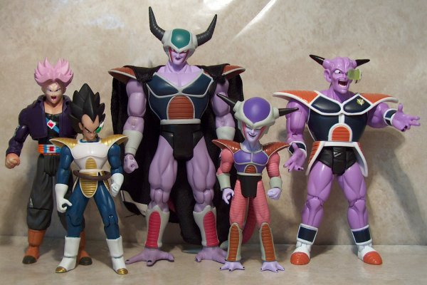 Dragon Ball: Frieza - Gallery Colection